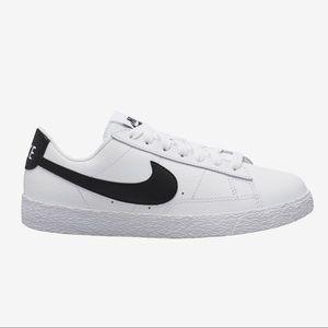 Nike Blazer Low '77 Women's Sneakers